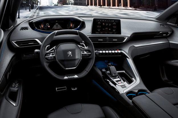 SUV sa pýši najnovšou verziou systému Peugeot i-Cockpit