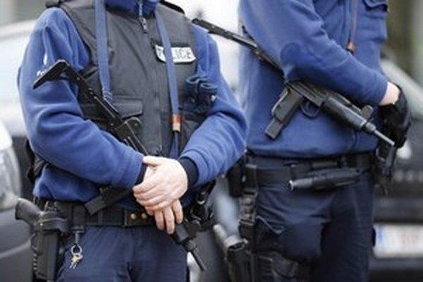 Mladíka nakrátko predviedli na súd pre mladistvých v Melbourne, ktorý ho obvinil z plánovania teroristického činu v štáte Viktória.