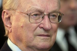 Medzi ocenenými je aj historik Milan Stanislav Ďurica.