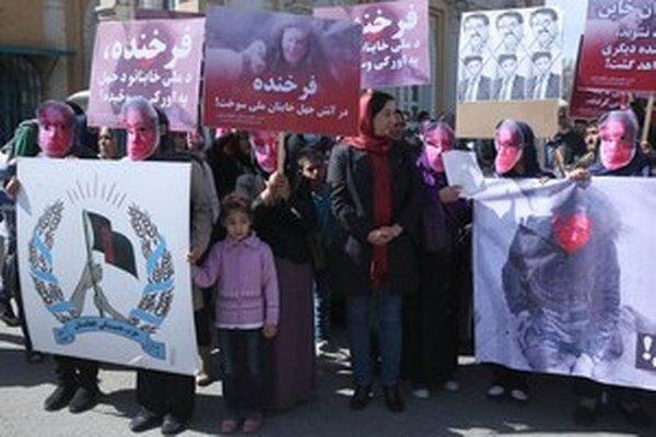Demonštranti apelovali na vládu, aby stíhala všetky osoby zodpovedné za smrť Farchundy.