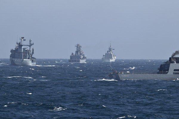 Účastníci dlho plánovaných manévrov sa zamerajú na nácvik boja proti ponorkám.