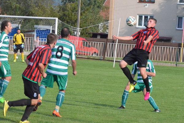 Prehra o štyri góly. Vspišskom derby Vlašania proti Nálepkovu doma neuspeli. Voboch polčasoch inkasovali zhodne po dva góly.