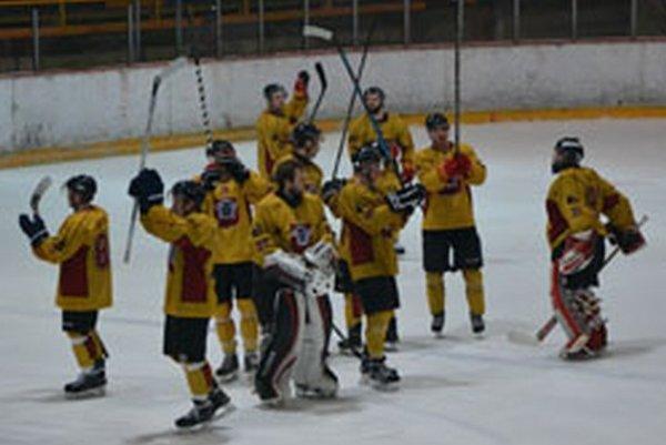 Topoľčany po heroickom výkone zdolali doma Bardejov a vynútili si štvrtý zápas v sérii.