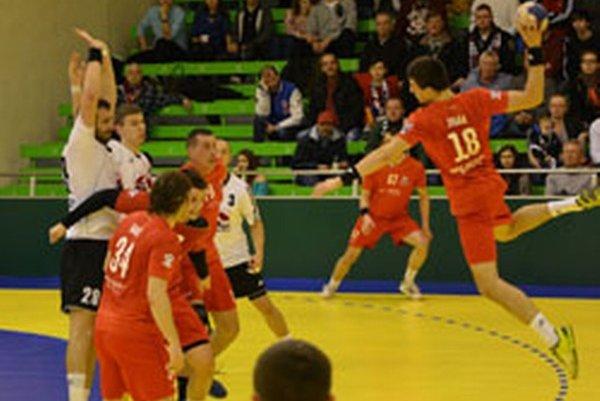 Hádzanári vyhrali o dva góly.