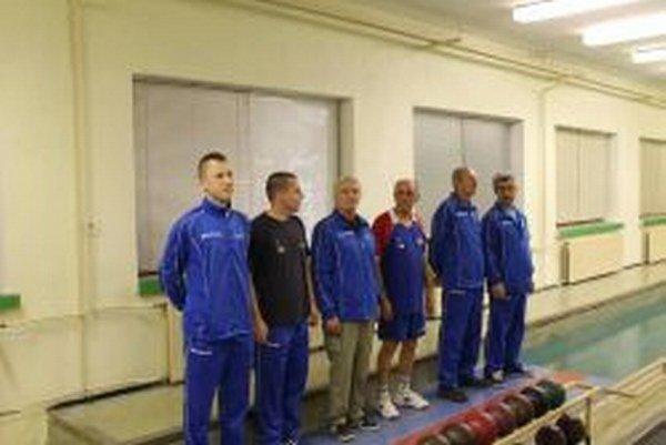 Kolkári z Bánoviec (zľava): Papšo, P. Bročko, Žitňan, J. Bročko, Šujan, Podolák.