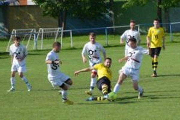 Zo zápasu Krušovce - Lapáš 0:7.