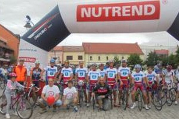 Topoľčianski cyklisti na štarte podujatia.