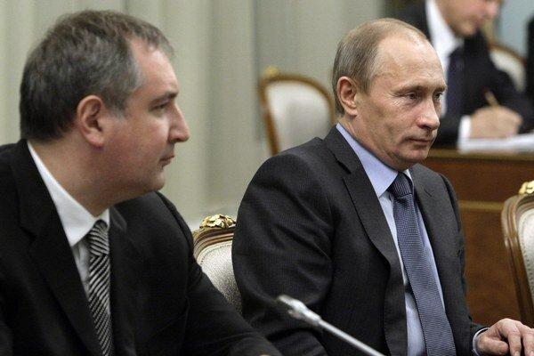 Ruský vicepremiér Dmitrij Rogozin (vľavo).