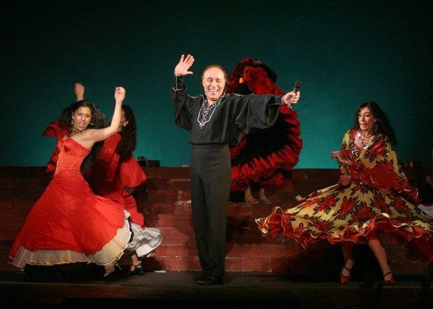 Nikolaj Sličenko v hre My-Cigáni,ktorá je v repertoári divadla Romen aj v aktuálnej sezóne.