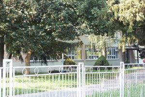 Základná škola v Cejkove.