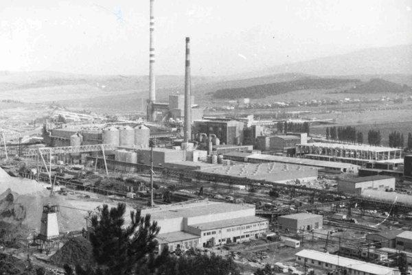 Historická fotografia z výstavby ružomberskej celulózky v rokoch 1978 - 1981.