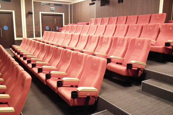 Vynovené priestory kina.