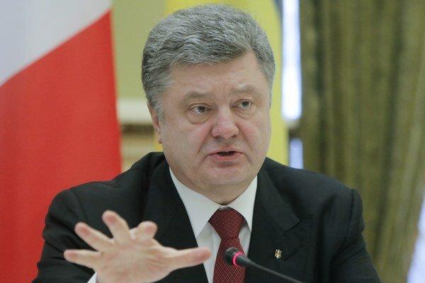 Ukrajinský prezident Petro Porošenko by mal na oslavách konca vojny v Moskve chýbať.