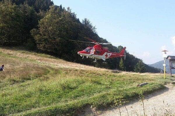 Zranenie 50-ročného Slováka si vyžiadalo zásah leteckých záchranárov.