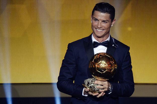 Favoritmi na víťazstvo v oboch anketách budú aj naďalej Cristiano Ronaldo (na fotke) a Lionel Messi.