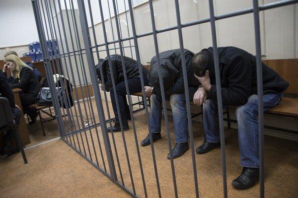 V súvislosti s Nemcovovou vraždou už úrady zadržali podozrivých.