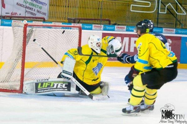 Nádherný gól Filipa Surovka znamenal vedenie Martina 2:0.