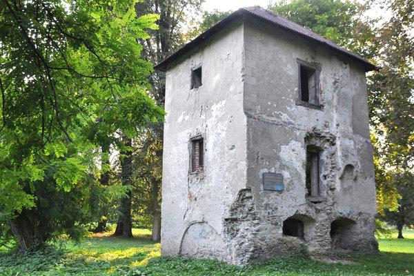 Bajčiova veža, Kedysi slávne miesto dnes pripomína zrúcaninu.