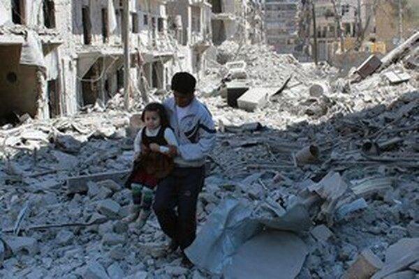 Mesto Aleppo v ruinách.