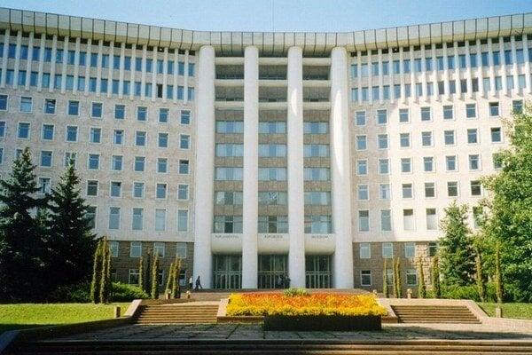 Budova parlamentu v Moldavsku.