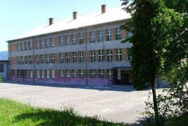 Bývalú školu postupne prebudujú na Senior centrum.
