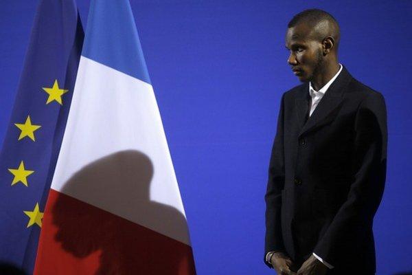 Z Lassanu Bathilyho je už občan Francúzska a Európskej únie.