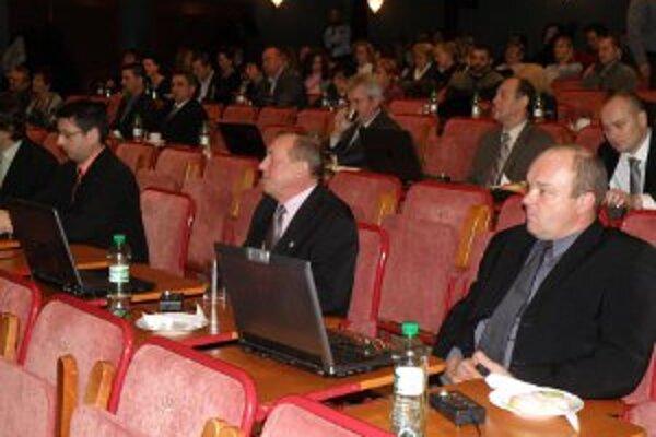 Rozpočet na rok 2012 nepodporili len dvaja poslanci.