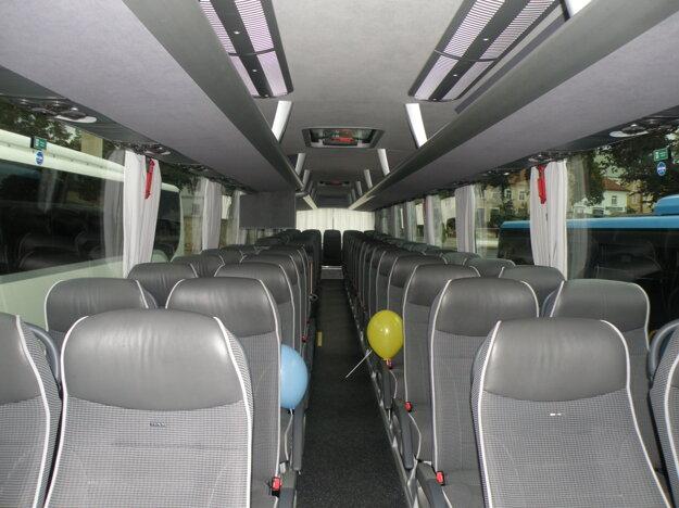 Nové autobusy ponúkajú komfortné cestovanie.