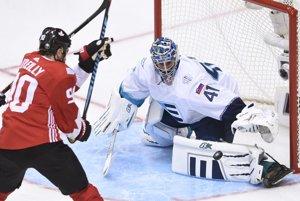 V prvom zápase proti Kanade Jaroslav Halák vychytal viacero výborných šancí súpera.