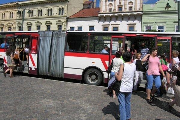 Vyše 530-tisíc eur dostane od mesta dopravný podnik na vykrytie strát pri mestskej doprave.
