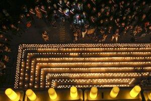 Zapálené sviečky v Lyone.