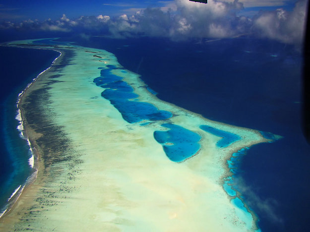 Atol Laamu na Maldivoch.