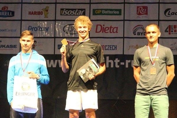 Celkový víťazom medzi mužmi na 10 km sa stal Tadeáš Fazekaš z Levíc.