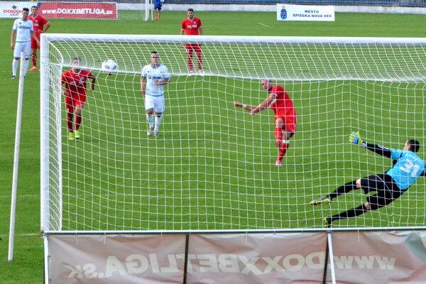 Nepremenený pokutový kop. Najväčšiu šancu FC VSS Košice mali vprvom polčase, keď Kubík zpenalty netrafil bránu.