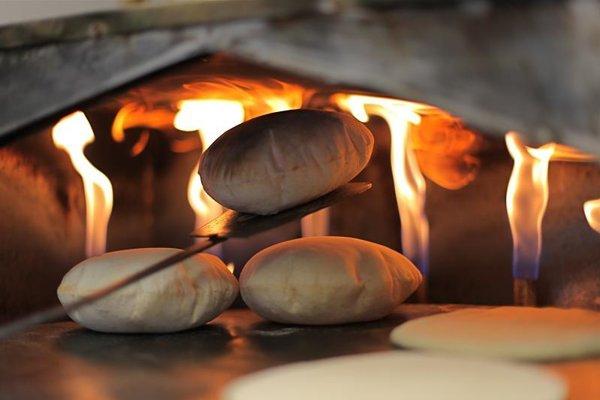 V Egypte sa tradične v chlebe podávajú mnohé typy jedál.