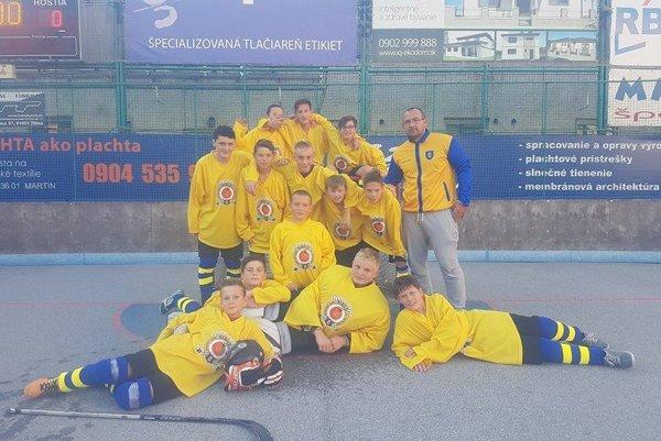 Kategória U14 na prvom turnaji vyhrala dva zápasy, raz prehrala.