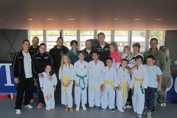 Úspešní pretekári Taekwondo Hakimi Rožňava.