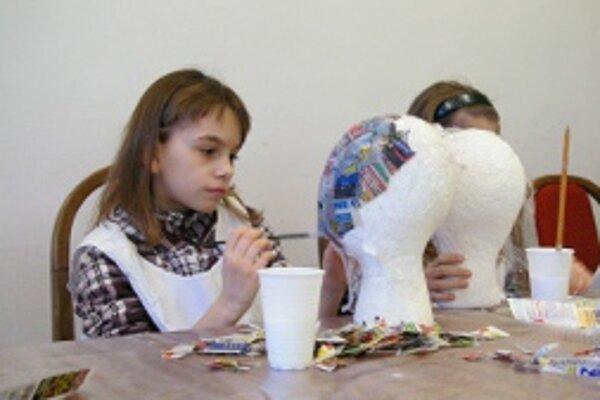 Deti môžu stráviť voľný čas tvorivou činnosťou.
