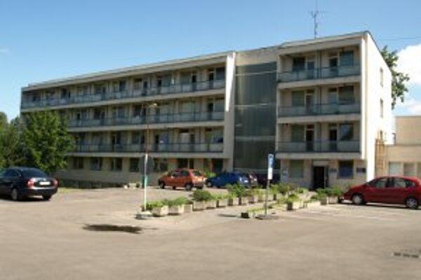 Nemocnica v Bojniciach napriek dlhom počíta s investíciami.