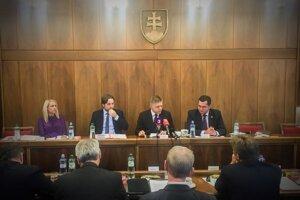 Premiér Robert Fico na tlačovej besede po rokovaní Výboru NR SR pre európske záležitosti.