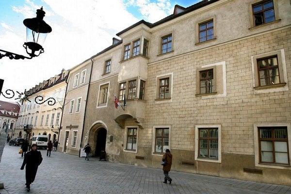 Budova bývalej Academie Istropolitany.
