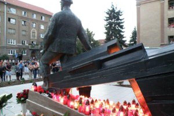 Spomienka bude opäť po roku pri pamätníku na Ulici 29. augusta.