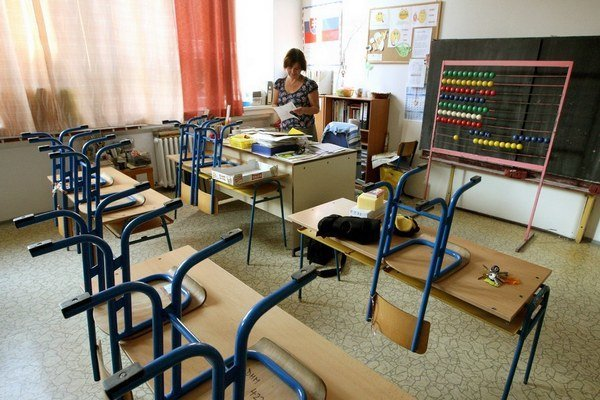 Škola zo starogréckeho scholé (oddych) sa opäť začína.