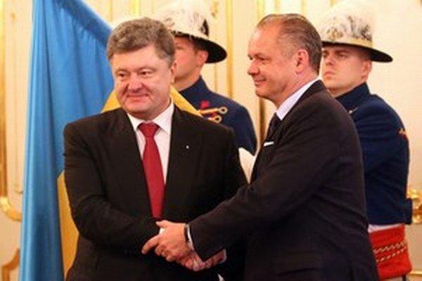 Ukrajinský prezident Porošenko so slovenským partnerom Kiskom.