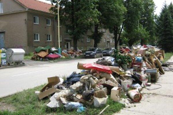 Prievidžania vinili mesto za škody, ktoré im voda spôsobila.