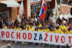 Záber z minuloročného Pochodu za život v Košiciach.