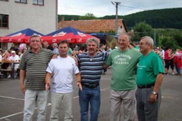 Starostovia sú z obcí, ktoré tvoria mikroregión Hornonitrie.