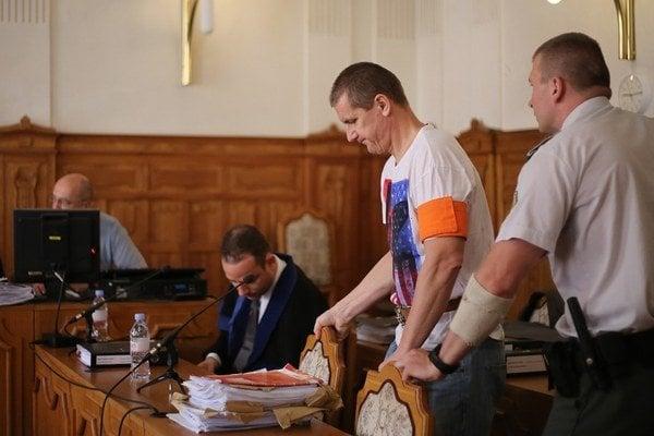 Bývalý futbalista Richard Vlček na súde.