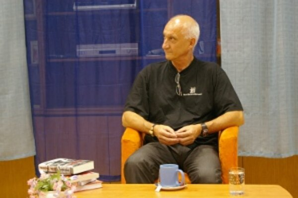Jozef Banáš v Prievidzi predstavil svoje knihy a odpovedal na otázky.