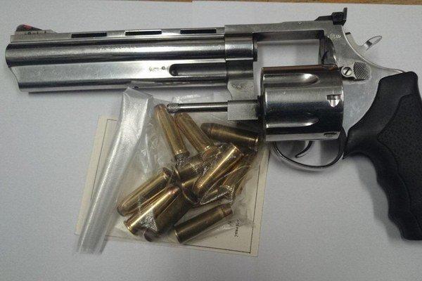 Cieľom tretej zbraňovej amnestie bolo znížiť počet nelegálne držaných zbraní a streliva, a tým aj riziko, že sa nimi bude páchať trestná činnosť.